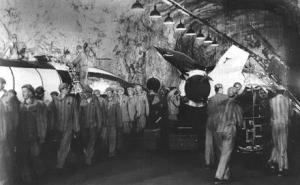 1945-dora-mittelbau-a4-raketenfertigung-zwangsarbeiter